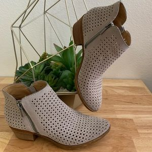 Lucky Brand booties low